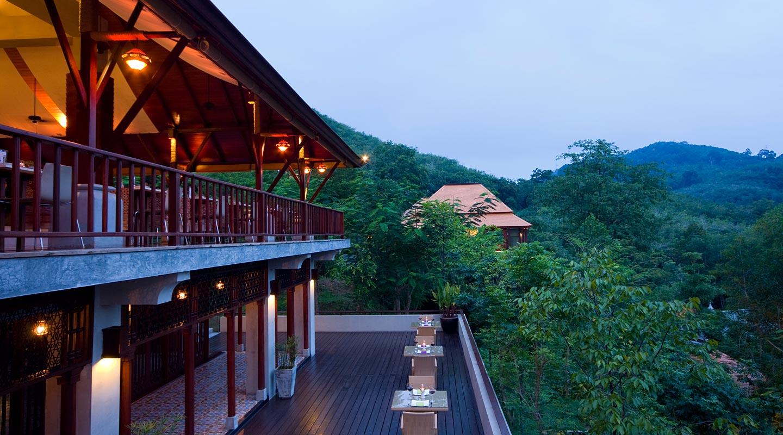 Pattaya Beach Hotel | Luxury Hotel in Pattaya | Capedara Pattaya Hotel